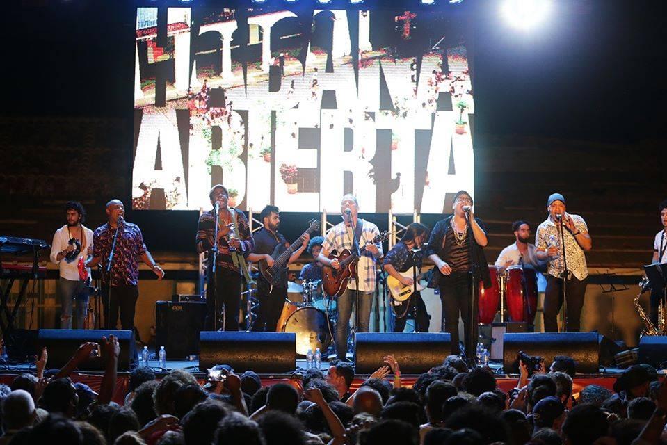 Habana Abierta, durante su concierto en Gibara. Foto: Gabriel Guerra Bianchini