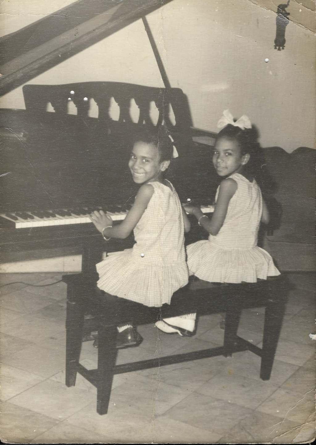 Aymée junto a su hermana Lourdes. Foto: Cortesía de la entrevistada.