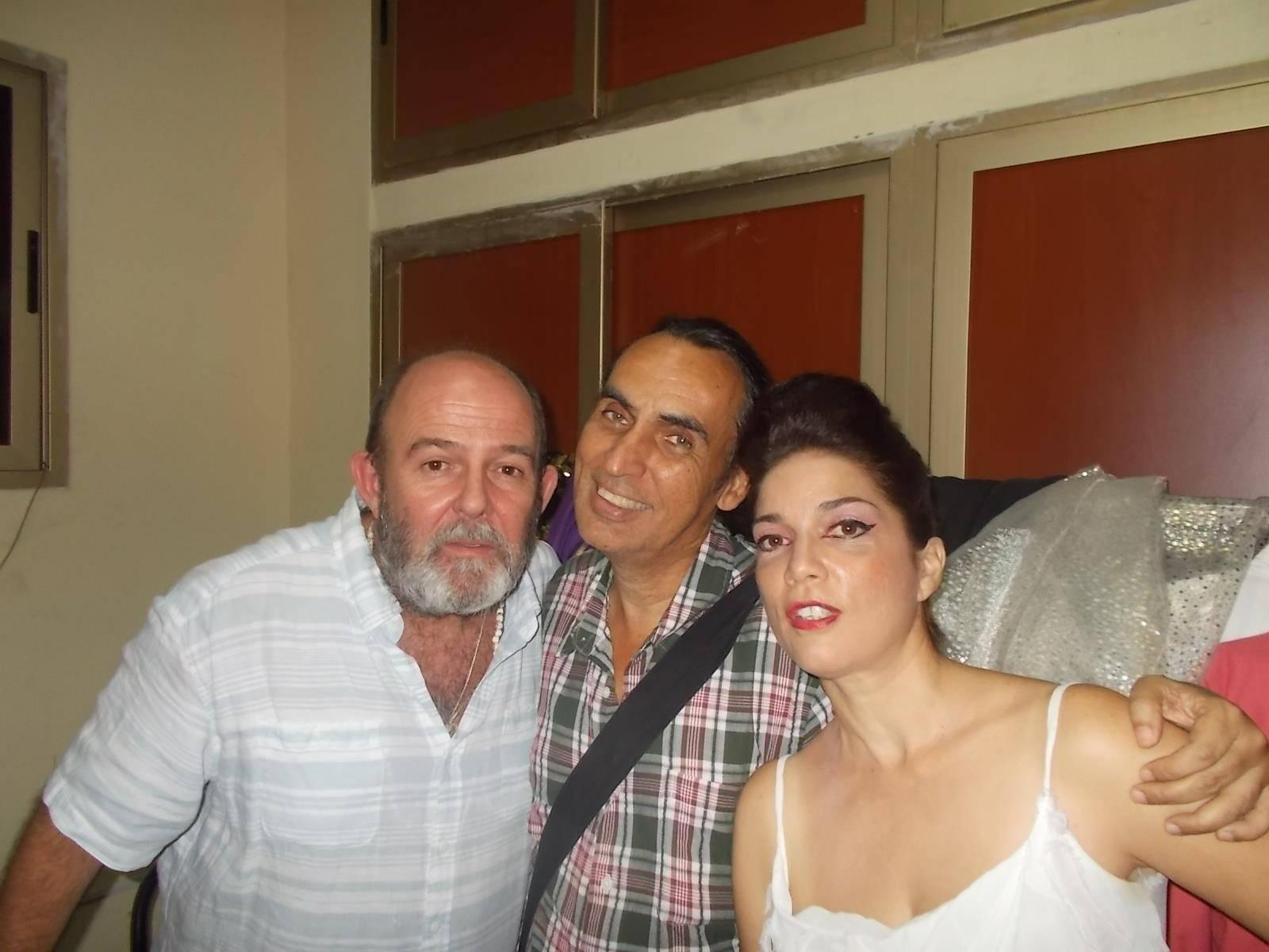 Carlos Díaz junto a Juan Piñera y Bárbara Llanes. Foto: Norge Espinosa.