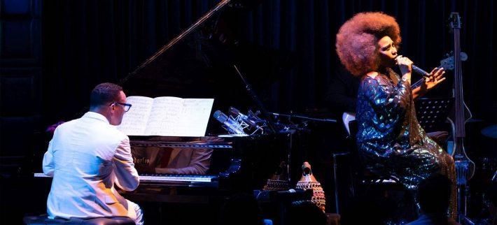 Aymeé Nuviola y Gonzalo Rubalcaba en el Blue Note Tokyo . Foto: Cortesía de les artistas.